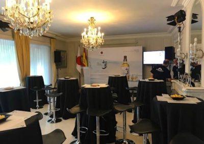 preparativos-presentacion-a-prensa-whisky-japones-Suntury